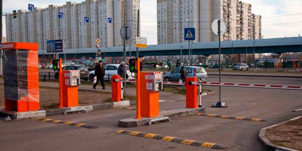 Полностью автоматизированная система платной парковки с реверсивным въездом-выездом